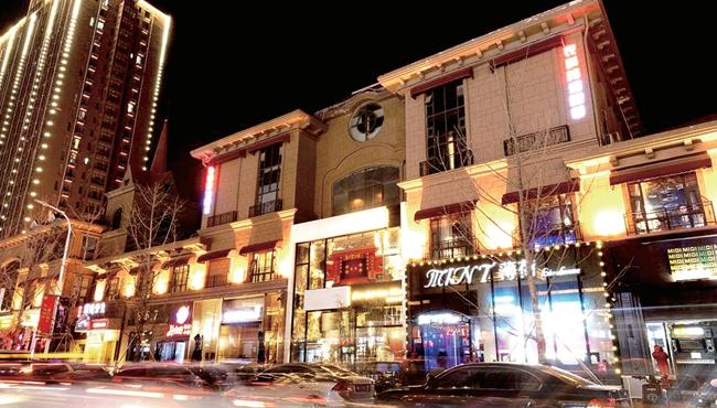 """春节哪里去?农科路酒吧休闲街看""""灯光秀"""""""