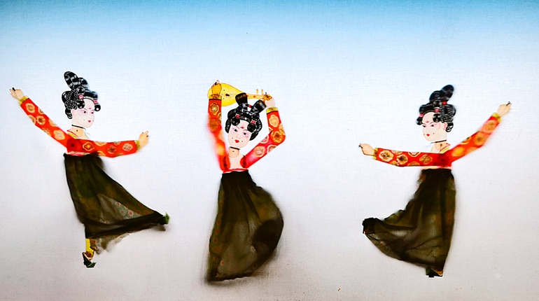 """出新版!唐宫小姐姐跳起""""皮影舞"""""""